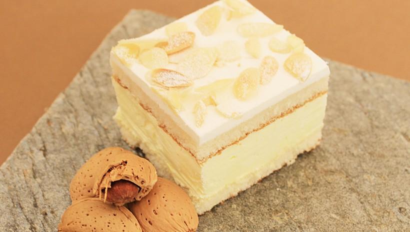 Plancha de nata almendrada